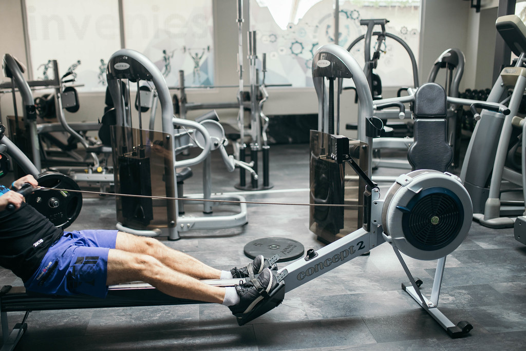 can rowing machine help back pain